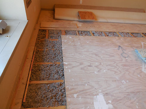Environmentally-Friendly insulation in floor